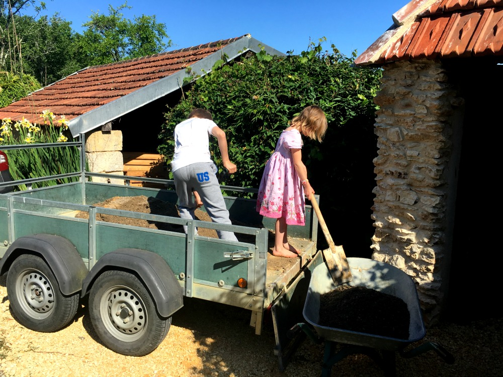 Country living in the Dordogne, France