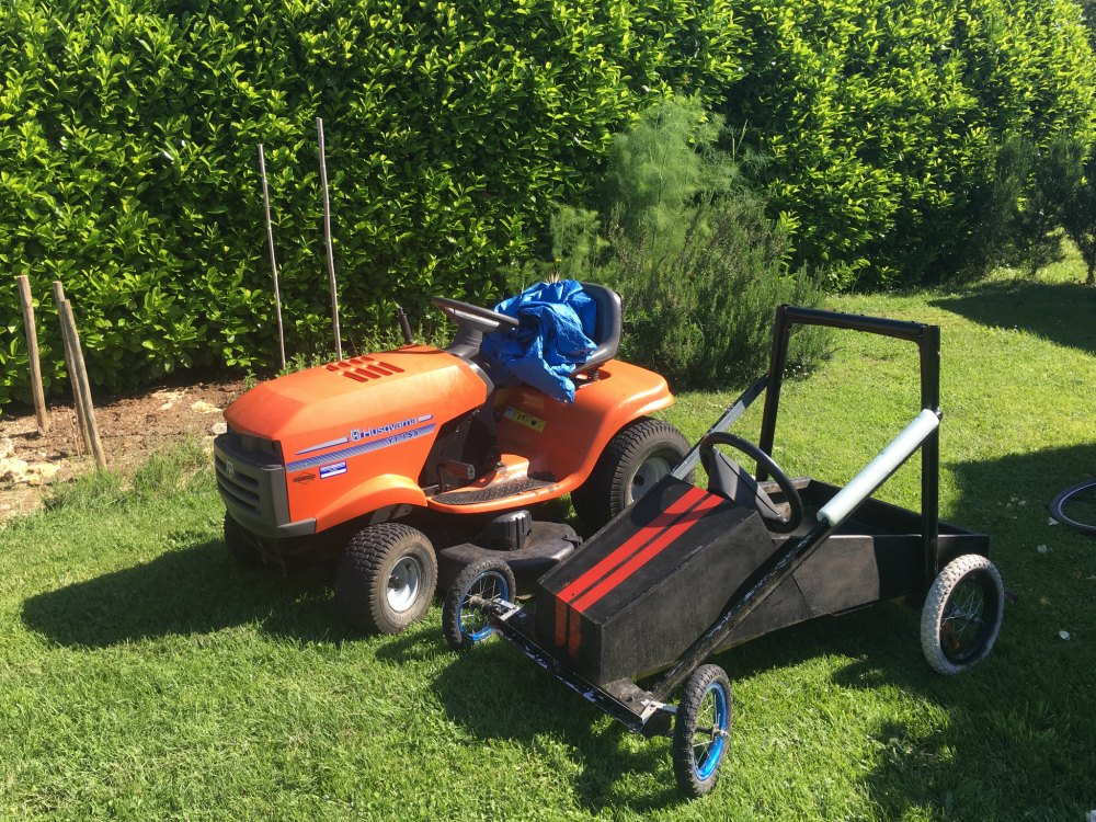Ride-on lawnmower and gokart, country living & transport
